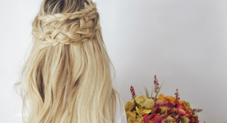 cb42884992d6 50 εντυπωσιακά χτενίσματα για βάπτιση σε μακριά μαλλιά, καρέ ή κοντά | Time  For Good News