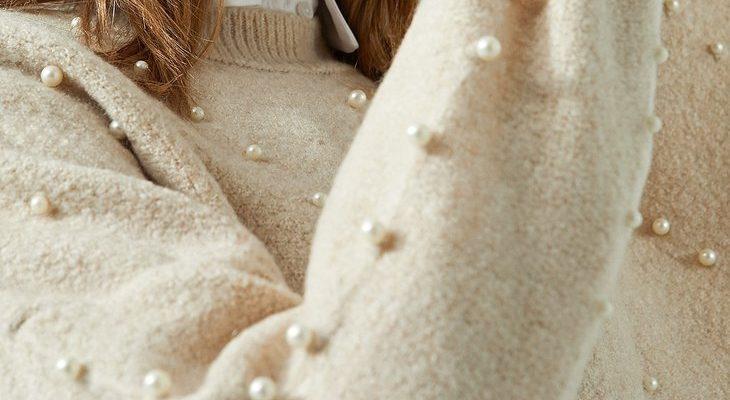 223243fd0e 35 εντυπωσιακοί συνδυασμοί με γυναικείο πουλόβερ